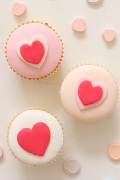 The cutest cupcakes for Valentine's Day. #cupcakes #valentinesday