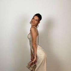 Estilo Gigi Hadid, Bella Gigi Hadid, Bella Hadid Outfits, Bella Hadid Style, Bella Hadid Photoshoot, Img Models, Isabella Hadid, Looks Vintage, Mode Inspiration