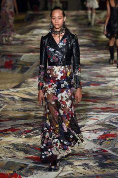 Alexander McQueen | Ready-to-Wear Spring 2017 | Look 24