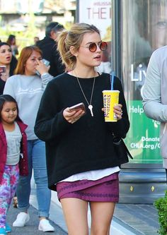 Lucy shopping at The Grove in West Hollywood, California on March 31st, 2016.