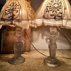 "MASSET ROLAND on Instagram: ""#luminaire#Cristal#saintlouiscrystal#decorationinterieur#styleinspiration#laliquecrystal #renelalique #laliquevas#lumieres #lampedechevet…"" Roland, Decoration, Lighting, Instagram, Home Decor, Crystal, Bed Reading Light, Decor, Decoration Home"