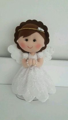 Felt Diy, Felt Crafts, Communion, Angel Crafts, Drawing Projects, Mickey Ears, Drawing For Kids, Event Decor, Craft Gifts