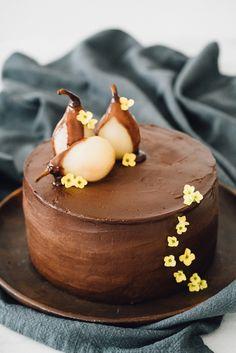Bolo de Chocolate com Pera Caramelizada
