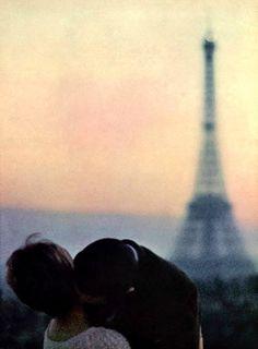 Fall in love in Paris. #Paris #valentinesday