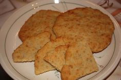 kaura-peruna teeleivät - Kotikokki.net - reseptit Cooking Recipes, Bread, Dinner, Ethnic Recipes, Food, Dining, Chef Recipes, Brot, Food Dinners