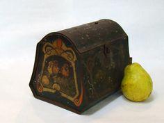 Vintage Victorian Metal Lunch Box Easter by PurpleMouseStories
