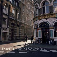 -cityoflove:    London, England viabigsplash