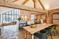 Huis in pastoriestijl nabij Sint-Niklaas - Wonen Landelijke Stijl Go Camping, Dining Table, Furniture, Design, Home Decor, Long Island, Places, Instagram, Houses