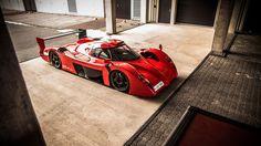 El Toyota GT-One de carrer que Toyota Motorsport guarda a la seu de Colonia...