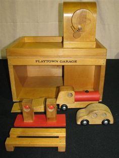 Creative Playthings Playtown Garage Set