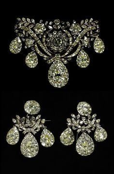 Bodice ornament and earrings, made in Portugal, c.1760 (source)
