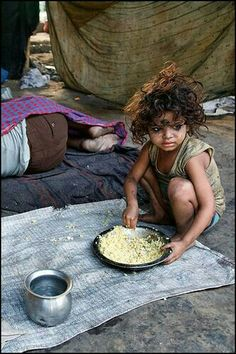 Food scarcity is a result of structural poverty, which has many contributing factors such as inequity in labor laws, wages and economic decline, which in turn adversely effects women and children. Poor Children, Precious Children, Beautiful Children, Kids Around The World, People Of The World, Poverty Photography, Village Photography, Moon Photography, India For Kids