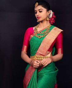 Improve How You Look With These Great Fashion Tips Indian Beauty Saree, Indian Sarees, Silk Sarees, Kerala Saree, Saris, Cotton Saree, Indian Bridal Outfits, Indian Bridal Fashion, Wedding Outfits