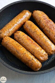 Vegetarian Day, Vegetarian Recipes, Cooking Recipes, Charcuterie Vegan, Bacon Sausage, Vegan Cheese, Diy Food, Food Inspiration, Brunch