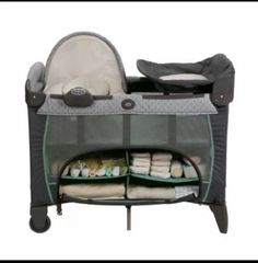 Graco-Pack-N-Play-Playard-with-Newborn-Napperstation-DLX-Manor