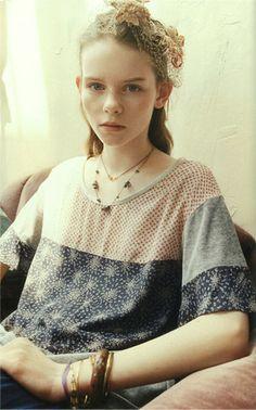 FELISSIMO (Company of mail order). haco 2012 Autumn (Ladies Fashion Catalog).   Nostalgic Girl Fashion. Country & girlish.