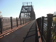 A great shot of the southbound side of the K&I Bridge from New Albany to Louisville.