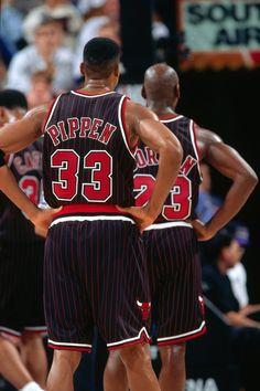 Scottie Pippen, Michael Jordan, and Bill Cartwright strutting in 'stripes. Nba Players, Basketball Players, Chicago Bulls Tattoo, Chigago Bulls, Nba Uniforms, Michael Jordan Pictures, Nba Houston Rockets, Michael Jordan Basketball, Scottie Pippen