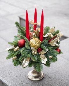 #christmas #holidays #centerpiece #candlearrangement Candle Arrangements, Centerpieces, Table Decorations, Christmas Holidays, Home Decor, Christmas Vacation, Decoration Home, Room Decor, Center Pieces