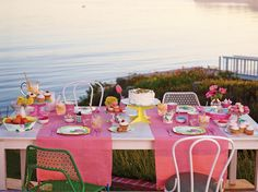 This pretty in pink tablescape will glam up any soiree. Paper Bowls, Barbie Dream House, Holiday Fun, Pretty In Pink, Tablescapes, Party Time, Outdoor Furniture Sets, Projects To Try, Landscaping