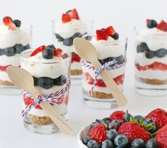 This Strawberry Blueberry Mini Cheesecake Trifle recipe is easy and delicious! Creamy, no-bake cheesecake is layered with berries and a simple crumble. 4th Of July Desserts, Mini Desserts, Just Desserts, Delicious Desserts, Dessert Recipes, Yummy Food, Patriotic Desserts, Memorial Day Desserts, Patriotic Party