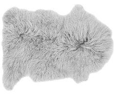Long-hair lambskin Ella by westwingde Carpet Dining Room, Design House Stockholm, Nordic Chic, Shag Rug, Lush, Burgundy, Long Hair Styles, Home Decor, Dekoration