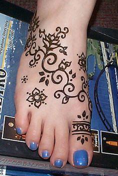 Tatouage au henné - idée de toe ring à retenir, mais de préférence sur le deuxième orteil
