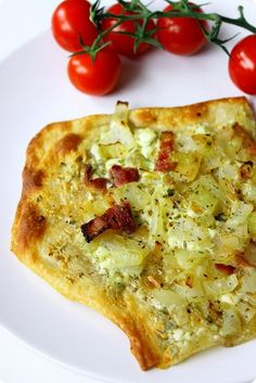 Tarte flambée, or flammekueche in Alsatian is the ultimate Alsatian comfort food – a thin, round dough topped with crème fraîche and bacon Healthy Dinner Recipes, Cooking Recipes, Healthy Food, Healthy Eating, Tart Dough, Pizza Sandwich, Bread Salad, European Cuisine, Make Ahead Meals