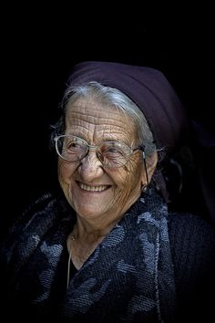 Photograph A sincere smile and old .. by Edmondo Senatore on 500px