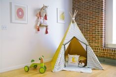 Teepee's are a great place for kids to plan (and can be easily stored)! Learn how to make a teepee that your child will love in 9 simple steps. Toddler Teepee, Diy Kids Teepee, Childrens Teepee, Toddler Rooms, Kids Tents, Tipi Diy, Diy Teepee Tent, Wooden Teepee, Girls Bedroom Furniture