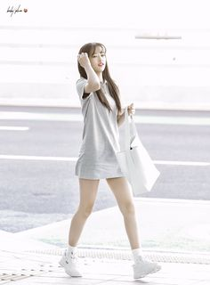 Sakura Miyawaki, Pop Fashion, Womens Fashion, Yu Jin, Nanami, Kpop Girls, My Idol, Korean Fashion, White Dress