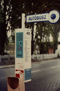 Ed Sijmons' photograph of a bus stop in Budapest, Hungary, 1975 (via edsijmons) Old Pictures, Old Photos, Grand Budapest, Transport Companies, Bus Stop, Photo L, Budapest Hungary, City Lights, Vintage Photography