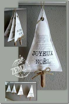 Kerstboom hangertje van stof en hout
