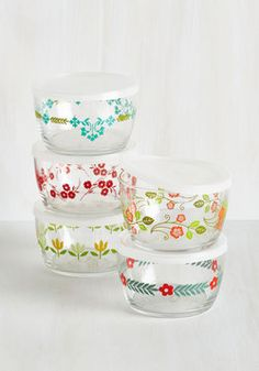 Savor the Scenery Container Set. Your weekend picnics and park-side lunch breaks are even more picturesque when each snack and treat is packed in one of these charming containers. #multi #wedding #modcloth