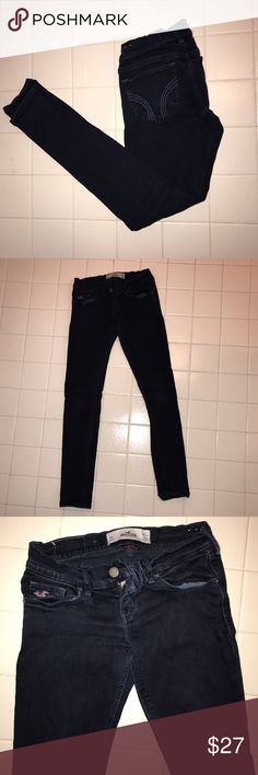 Hollister SoCal stretch Jeans 0 Short Super cute and comfortable. Size 0 Short Hollister Jeans Skinny