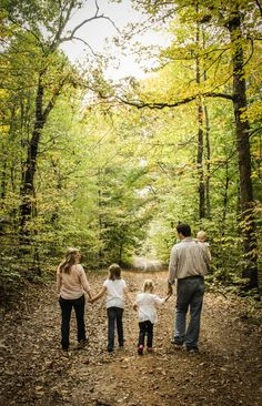 Catch the last of Fall in this family photo idea!