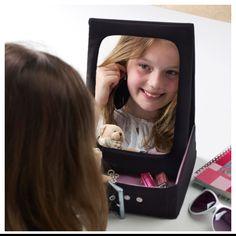 Дзеркало з практичним контейнером для прикрас - незамінний помічник твоєї краси.   #дзереало #контейнер #mirror