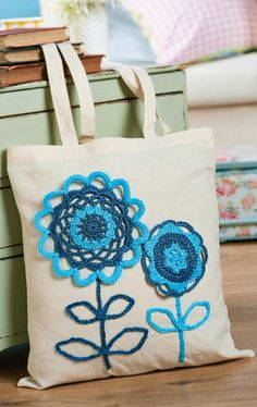 It costs for a plastic bag from today. Why not embellish a cotton tote with this FREE crochet flower pattern and do your shopping in style instead? Slip Stitch Crochet, Crochet Motif, Crochet Stitches, Free Crochet, Crochet Flower Patterns, Crochet Designs, Knitting Designs, Crochet Flowers, Bag Women