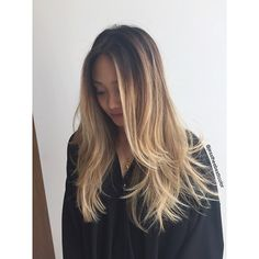 Beachy sombre ❤️ cut by @cleencuts #jesscleen #jesstheebesttcolor #ombre #sombre #balayage #olaplex #sallyhershbergerla