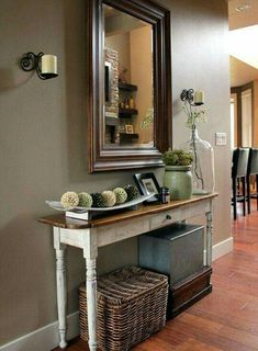 Cute Entry Way tablke and display