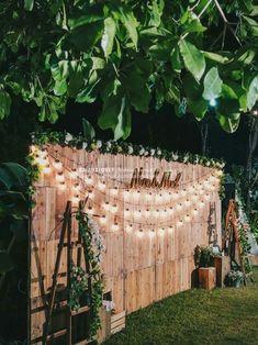 Cool 49 Cheap Backyard Wedding Decor Ideas - hochzeitsdekoration - Home Sweet Home Cheap Backyard Wedding, Patio Wedding, Backyard Engagement Parties, Outdoor Parties, Backyard Wedding Lighting, Outdoor Wedding Reception, Garden Wedding Ideas On A Budget, Wedding Table, Outdoor Party Lighting