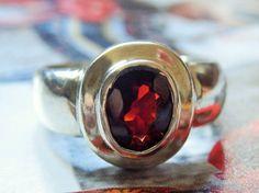 HOLIDAYS SPECIAL!!! GENUINE 1.50 ct Almandine Garnet on Vintage Handmade Ring, size 6.75 - 925 Sterling SIlver