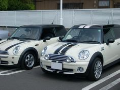 Mini Clubman: standard bonnet stripes vs vipers with extra pins