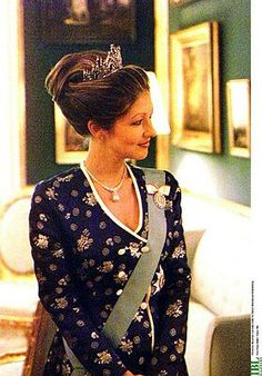Alexandra, Countess of Frederiksborg, RE (born Alexandra Christina Manley on 30 June 1964) was the first wife of Prince Joachim of Denmark, the younger son of Queen Margrethe II. In 1995, she married Prince Joachim, younger son of Queen Margrethe. They officially divorced in 2005.