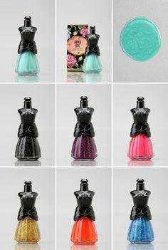 Anna Sui - packaging original, et les couleurs, ma foi, ont l'air sympa