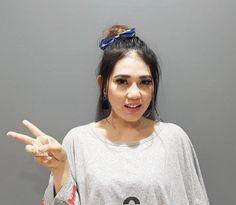 Download Kumpulan Lagu Mp3 Via Vallen Dangdut Koplo Terbaru Full Album - Selamat pagi dan kita berjumpa di situs download lagu mp3 terbaru lagu1.com ini