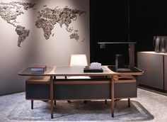 Giorgetti, made in Italy: Mogul desk, Baron chair & Moore sideboard by Roberto Lazzeroni. Modern Office Table, Office Table Design, Industrial Office Design, Office Interior Design, Luxury Interior Design, Office Interiors, Luxury Office, Ceo Office, Executive Office Desk