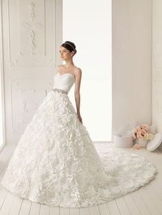 Elegant exquisite lace sheath sweetheart neckline wedding dress -  youmbo.com