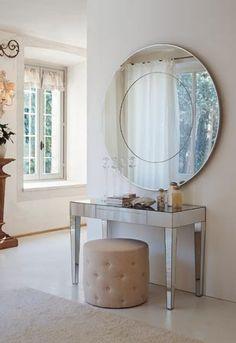 Espelho, espelho meu...     Amo espelhos! São lindos, extremamente decorativos, deixam os ambientes modernos e sofisticados, além de func...