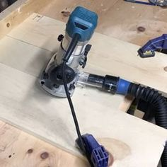 Here's the video for the #coffeedripper inset from the post earlier today. A freehand circle was an interesting choice.  The @rockler_woodworking dust collection hose is a HUGE help. #woodworker #diy #diyproject #router #coffee #pourovercoffee #craftsman